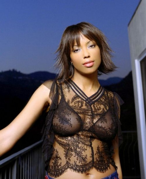 Aisha Naked 28