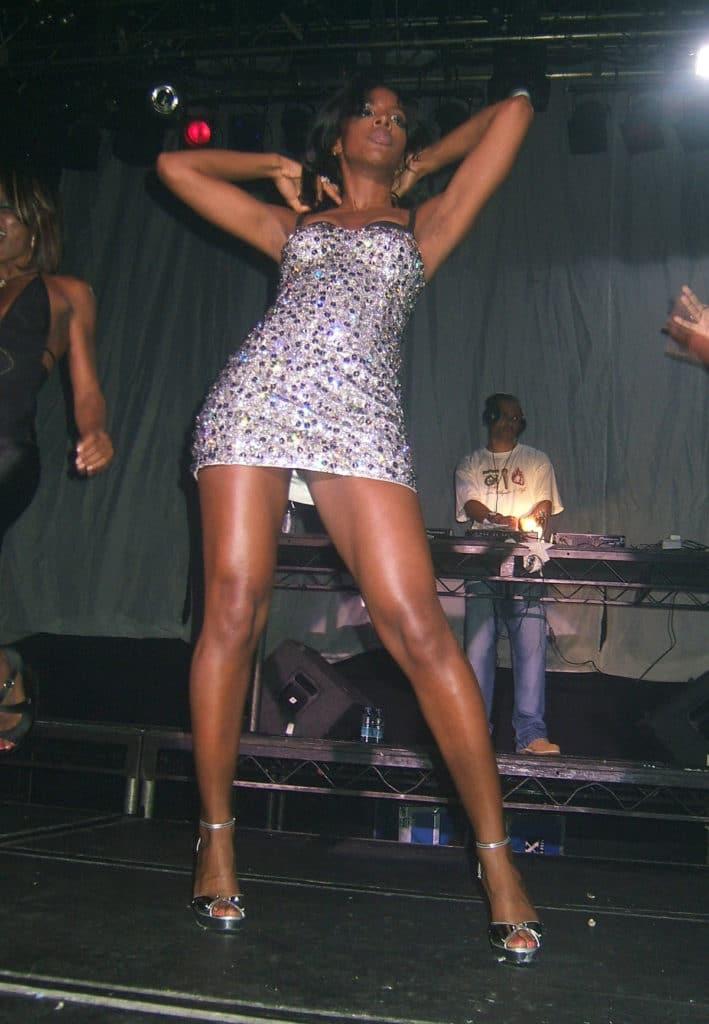 Kelly Rowland upskirt