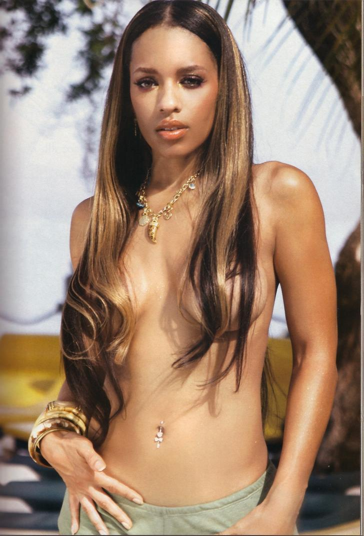 Melyssa Ford topless hair covering boobs