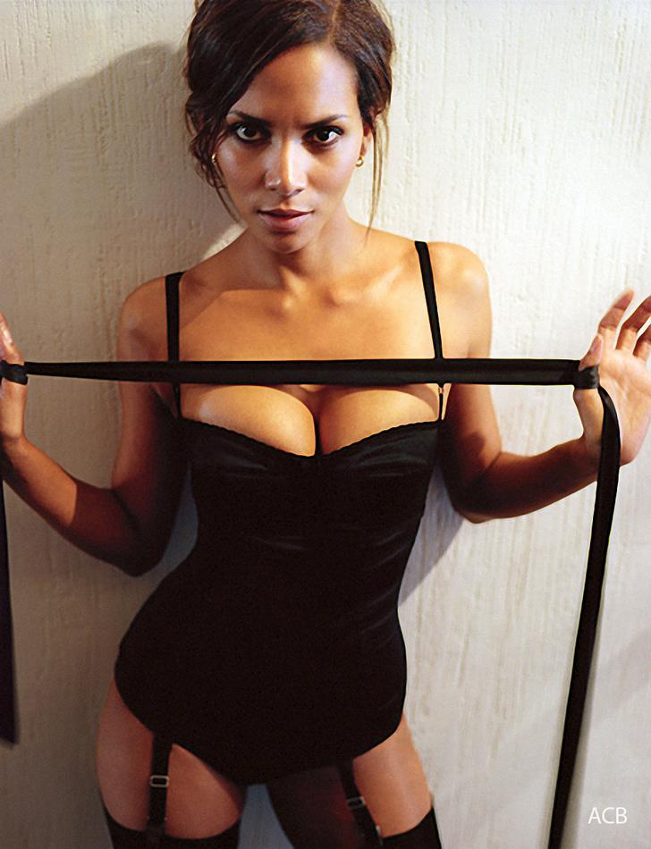 Halle Berry Hot Esquire photos (2)