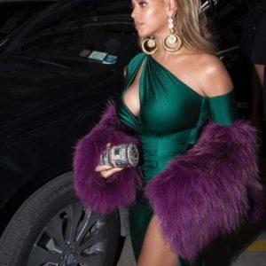 Beyonce huge tits